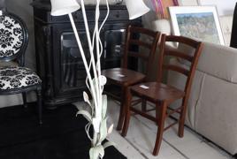 Rif.n. 33 - Lampada a piantana a tre luci di colore bianco