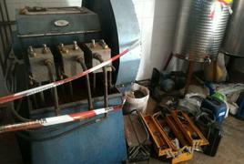 N. 3 presse idrauliche CAMPLONE - N. 6 carrelli.....