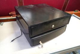 Coppia di cassetti per registratore di cassa