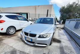 AUTOVETTURA BMW 330D BERLINA TG. DB881MF