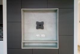 Rif.n. 3 - Parete attrezzata laccata grigio opaco con nicchia porta TV