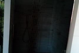 Rif. n. 07 - Cabina doccia in vetro ad un'anta completa di doccetta e soffione