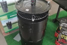 Barbecue affumicatore a carbone