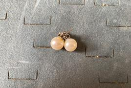 Orecchini in oro bianco con perle Gr. 4.37