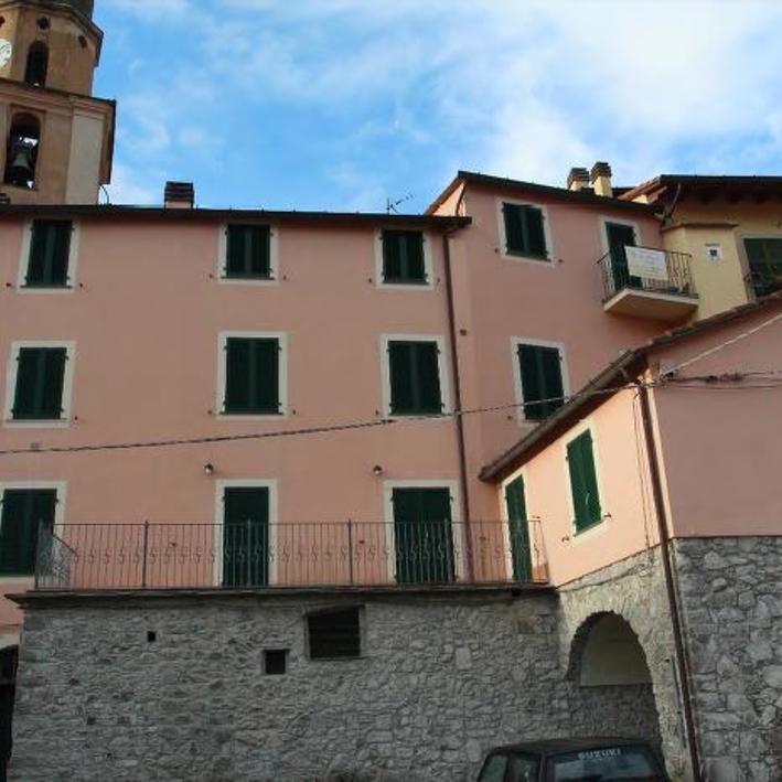 Dettaglio immagine Piazza Felicità 7, Carrodano (SP)